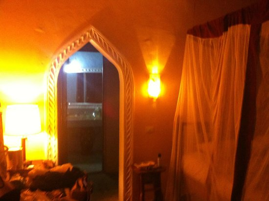 Waridi Beach Resort & Spa: interno camera