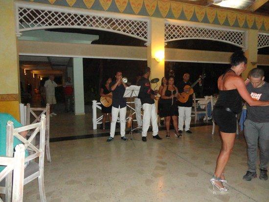 Sol Cayo Largo: Musica en vivo