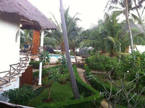 Waridi Beach Resort & Spa: vista villaggio