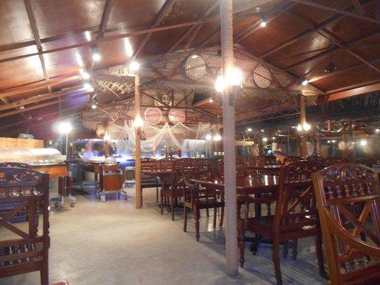 Hilton Colombo : Curry Leaf