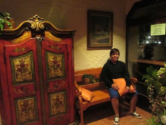 Weinhof Hotel Restaurant: Sweet, quaint hotel . Friendly staff and comfortable amenities.