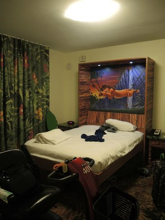 Prime Fold Down Table Bed Picture Of Disneys Art Of Animation Download Free Architecture Designs Embacsunscenecom