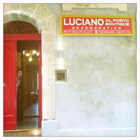 Luciano Al Porto Boutique : hotel door