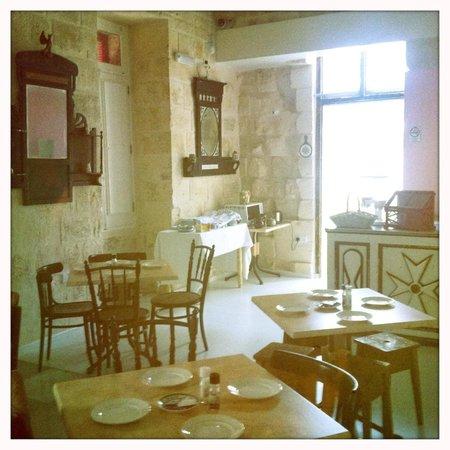 Luciano Al Porto Boutique : dining room