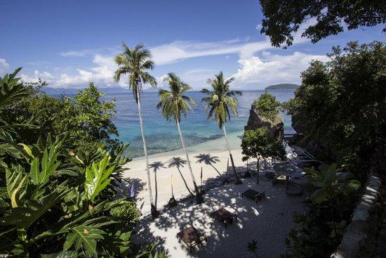 Padre Burgos Castle Resort: beach