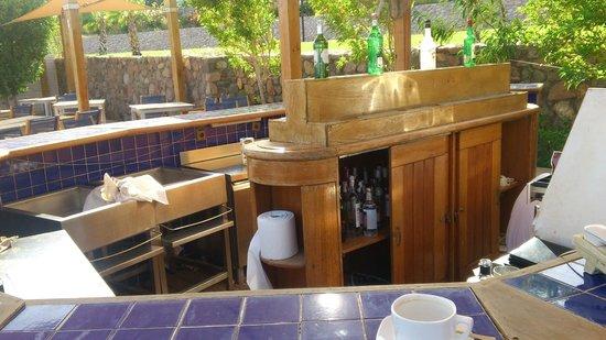 Le Meridien Dahab Resort: bar na plaży