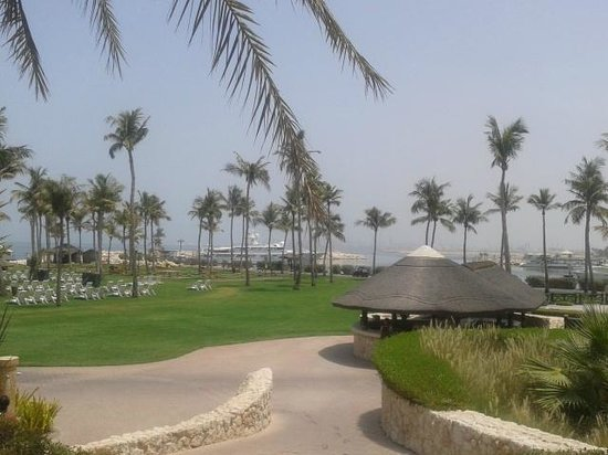 JA Jebel Ali Beach Hotel : Gardens