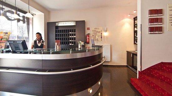 Novum Hotel Savoy Hamburg Mitte: Reception