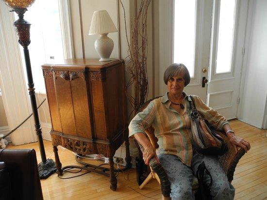 Chez Hubert, B&B: Arredi nella sala comune