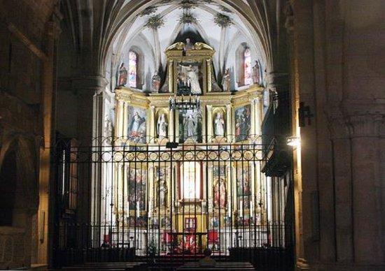 Iglesia de Santo Domingo: Altar de la iglesia