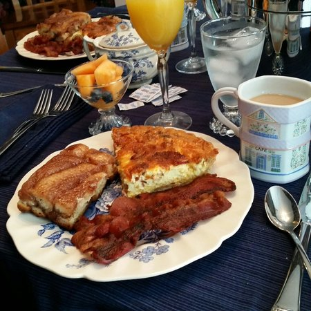 Riffles & Runs Bed & Breakfast : Phenomenal breakfast, better than any restaurant I've been to and the hospitality was impeccable