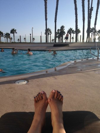 The Waterfront Beach Resort, A Hilton Hotel : Pool