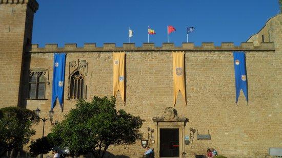Parador de Olite: fachada