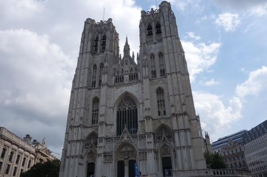 Cathédrale Saints-Michel-et-Gudule de Bruxelles : front
