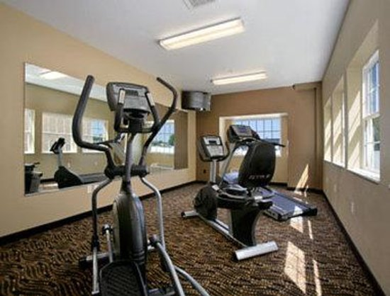 Microtel Inn & Suites by Wyndham Council Bluffs: Fitness Center