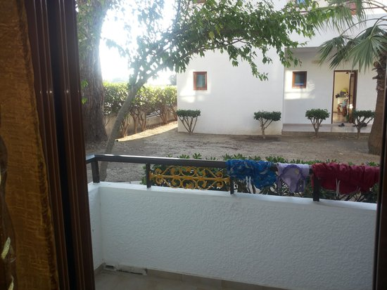 Vallian Village Hotel : view from room 402