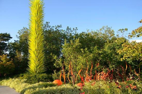 Jardín y cristal Chihuly: Les terrains extérieurs