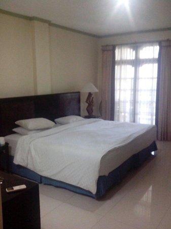 La Walon Hotel: Deluxe room in old building