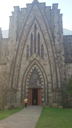 Catedral de Pedra: De tão grande não cabe na foto ;)