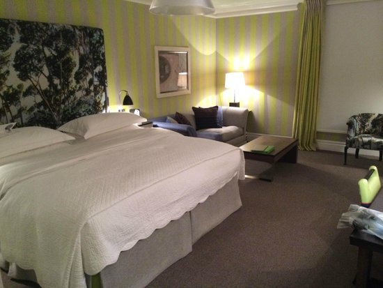 The Soho Hotel : The room after turndown service