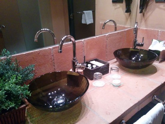 Hotel Mas la Boella: Baño