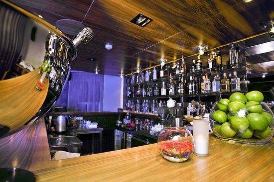 Tomtom Suites: Bar Area - La Mouette