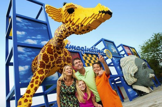 Holiday Inn Express Lake Wales N - Winter Haven: Amazing Lego Creations at Legoland Theme Park!