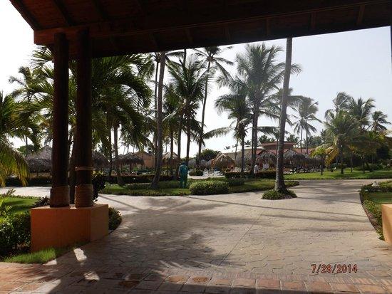 Punta Cana Princess All Suites Resort & Spa : courtyard