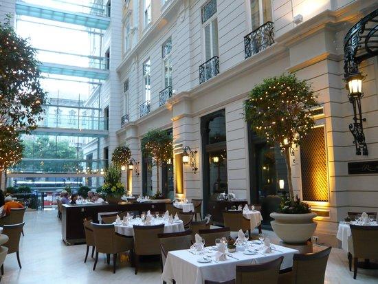 Corinthia Hotel Budapest : Restaurante