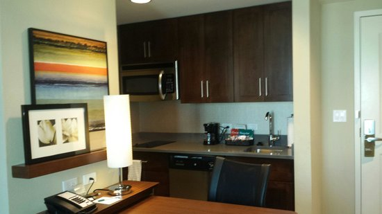 Homewood Suites by Hilton Springfield: Kitchen area