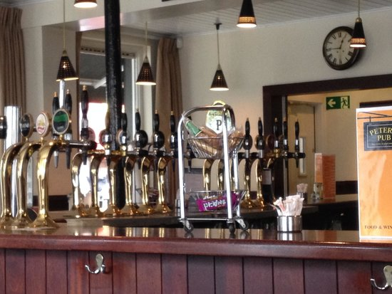 Peter's Pub: Dentro
