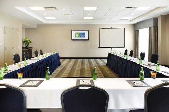 Holiday Inn Express & Suites Ottawa West - Nepean: Meeting Room