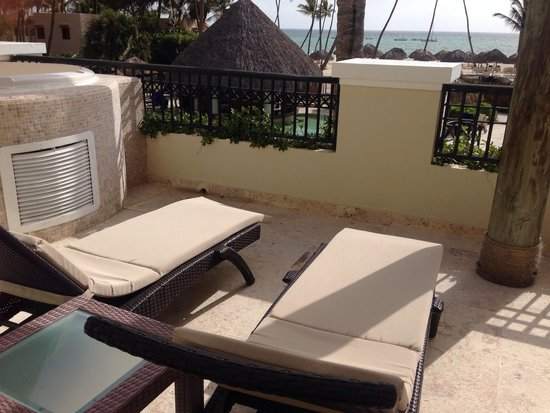 Now Larimar Punta Cana: Huge balcony space in preferred club master suite ocean front view rooms, hot tub jaccuzzi, show
