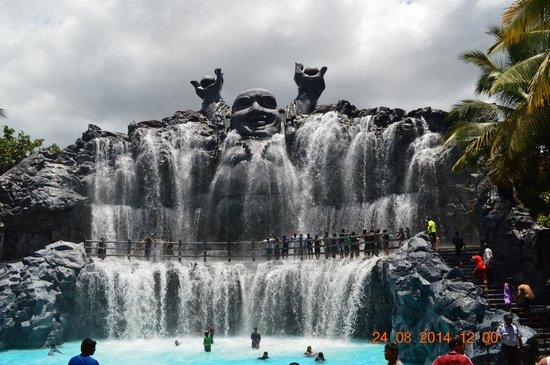 Black Thunder Resort: lucky budha falls