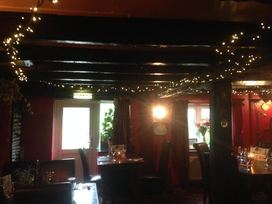 The Farmers Boy Inn: inside pub in the evening