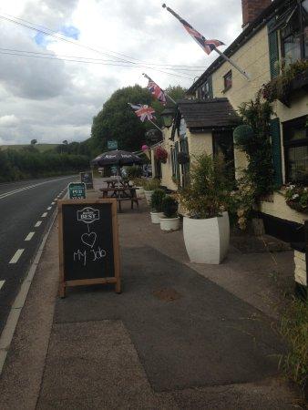 The Farmers Boy Inn: pub