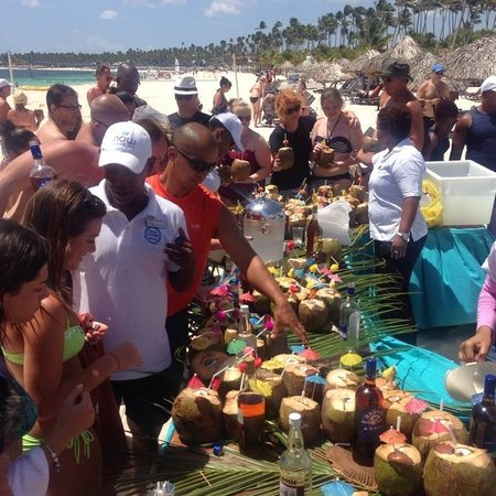 Now Larimar Punta Cana: Coconut party on the beach, excellente!