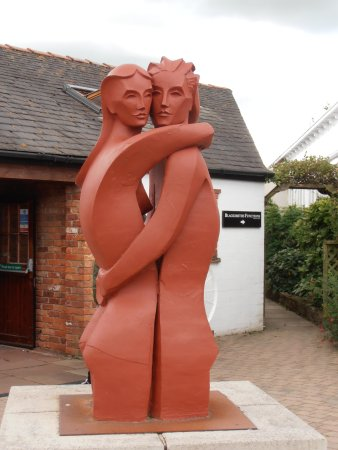 Famous Blacksmiths Shop: Loving couple.
