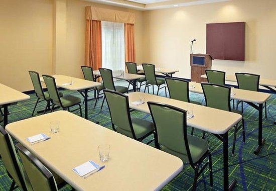 Fairfield Inn & Suites Lewisburg: Meeting Room