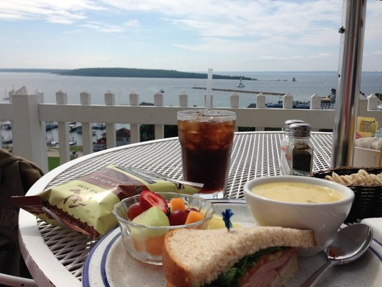 Fort Mackinac Tea Room: Lunch with a view