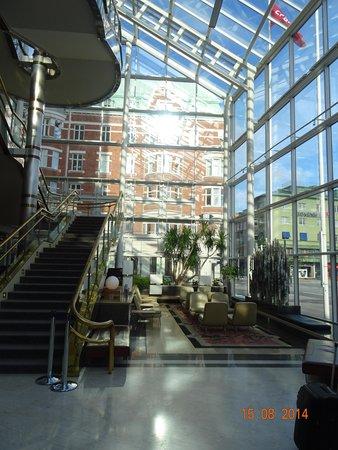 Scandic Triangeln: le Hall
