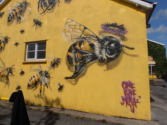 Quince Honey Farm: Outside.