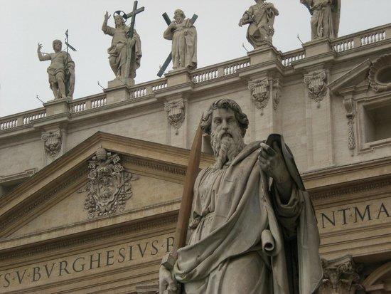 Petersplatz (Piazza San Pietro): St. Peter's Square