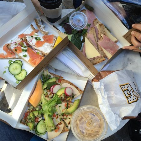 Le Pain Quotidien - Midtown East : Yummy tartines