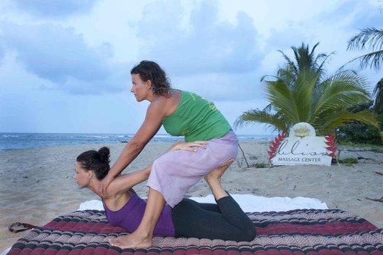 Bliss Massage Center : thai massage