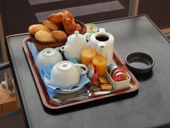 Hotel La Cote D'Argent: Petit dejeune
