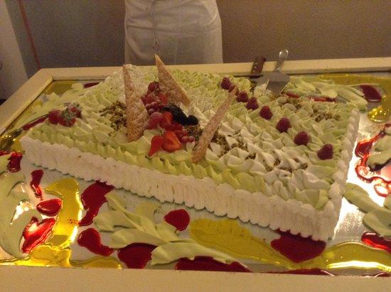 Park Hotel Cala di Lepre & Spa: torta zabaione e pistacchio.....ECCEZIONALE ...complimenti allo Chef.