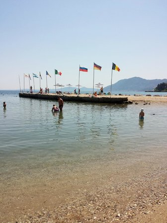 Corfu Holiday Palace: Spiaggia dell'hotel