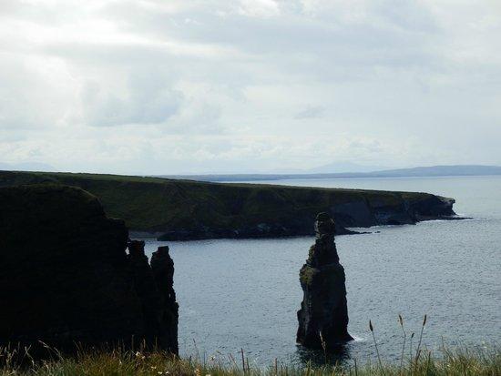 Bromore Cliffs : Devil's rock