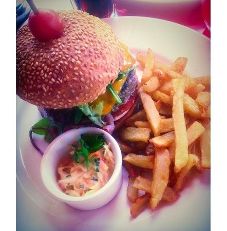 Loulou Friendly Diner: Bacon cheeseburger ��